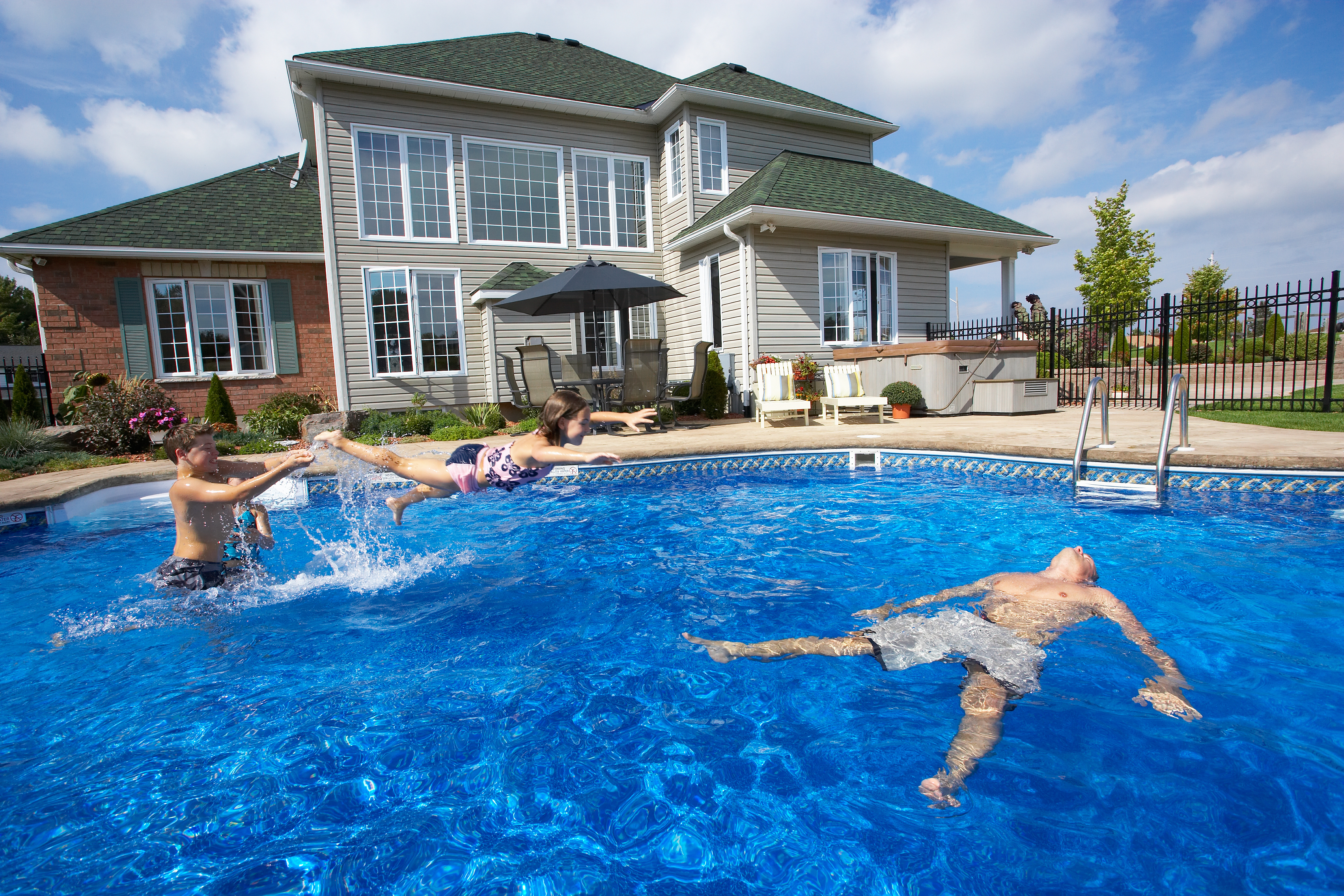 Swimming Pool Servicing : Our pool services in annapolis sunrise premiere