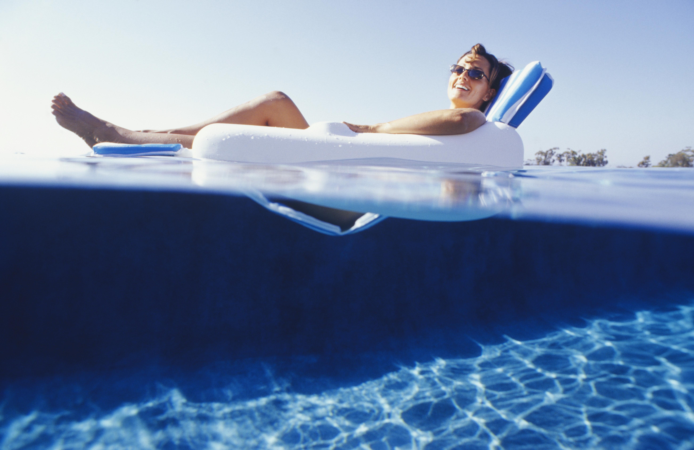 Водостойкий макияж для плавания